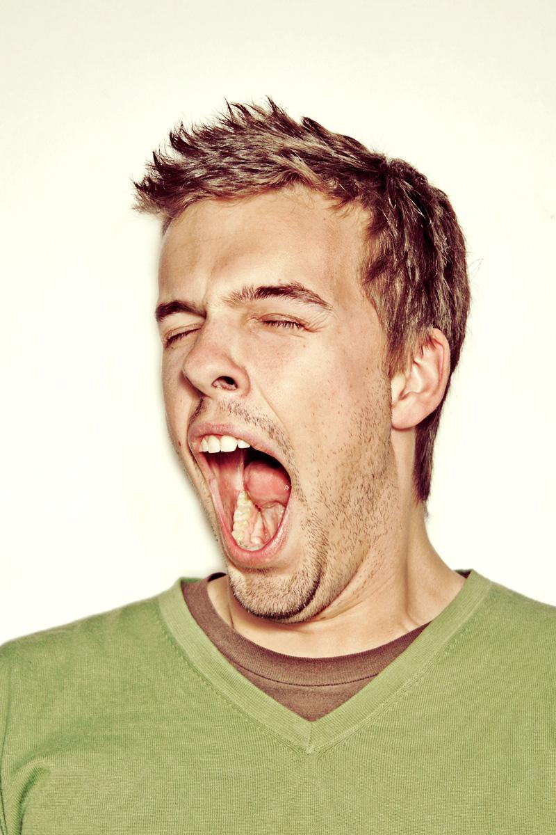 اتحداك تقاوم yawn-1077072_77959023.jpg